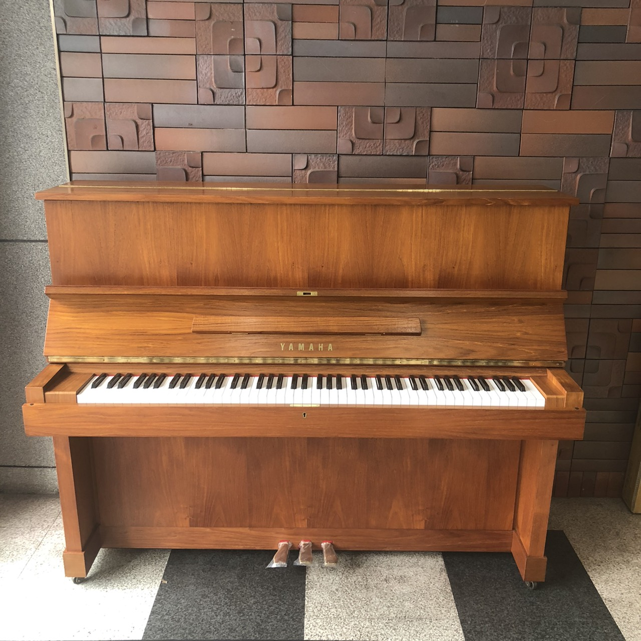 ヤマハ 木目中古ピアノ W103【動画あり】